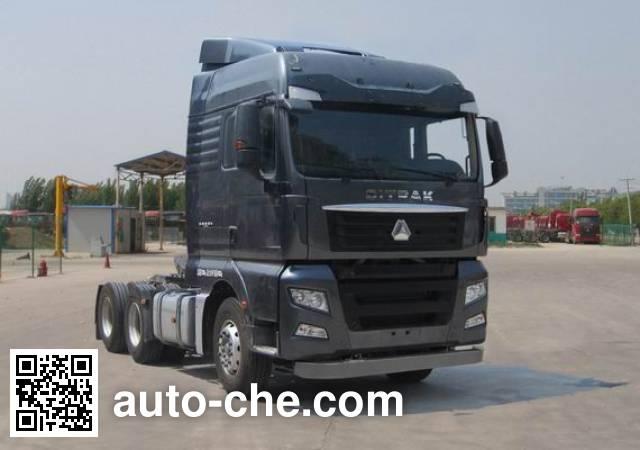 Sinotruk Sitrak tractor unit ZZ4256V323HD1