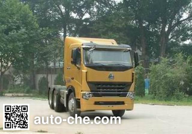Sinotruk Howo tractor unit ZZ4257V3247N1M1