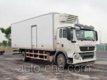 Sinotruk Howo refrigerated truck ZZ5167XLCK561GE1